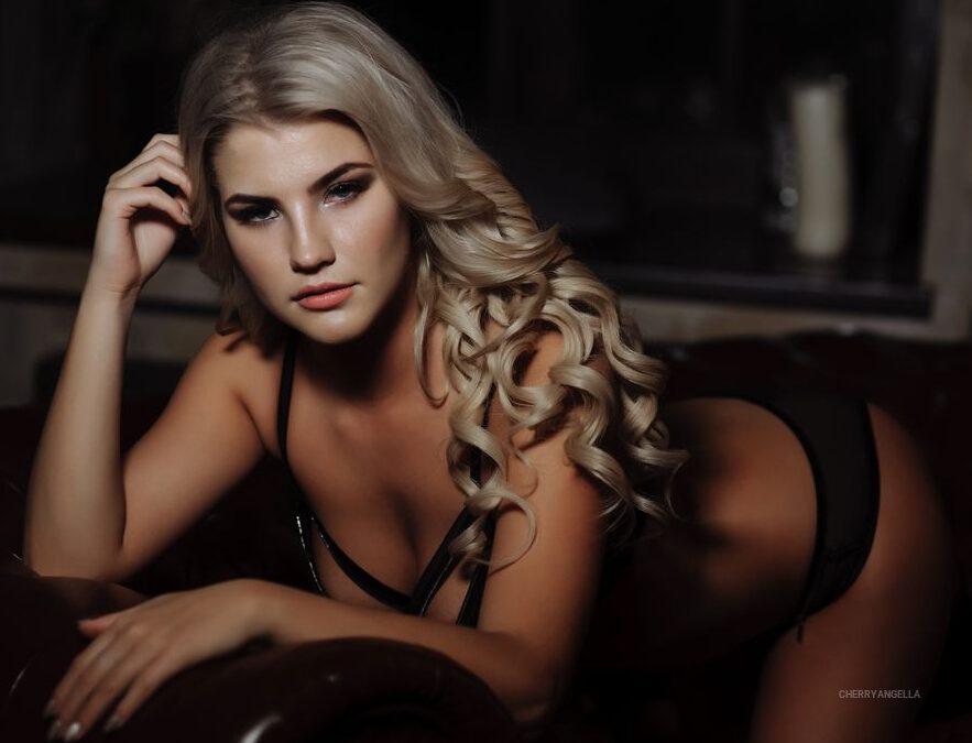 ViktoriaMonroe
